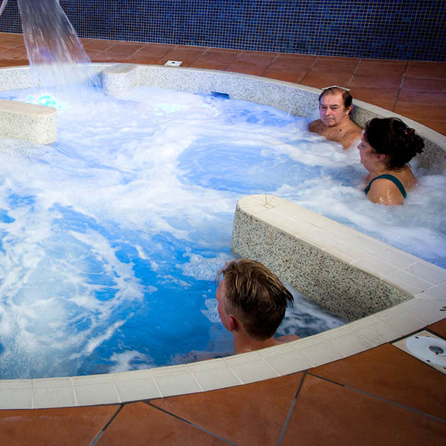 Spa pool water safety management